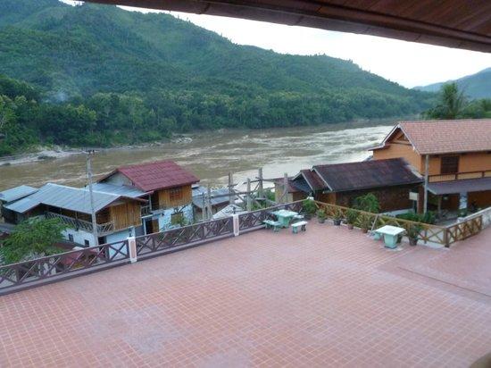 Phetsokxai Hotel Pakbeng:                   View from balcony