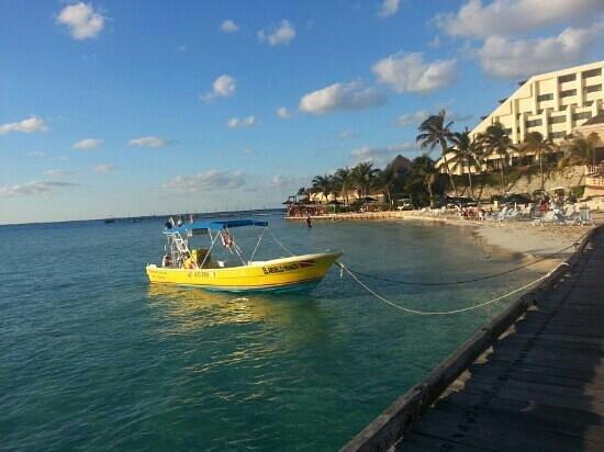 Mia Reef Isla Mujeres: la lanchita