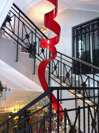 Hotel Unico Madrid: Stairs decoration