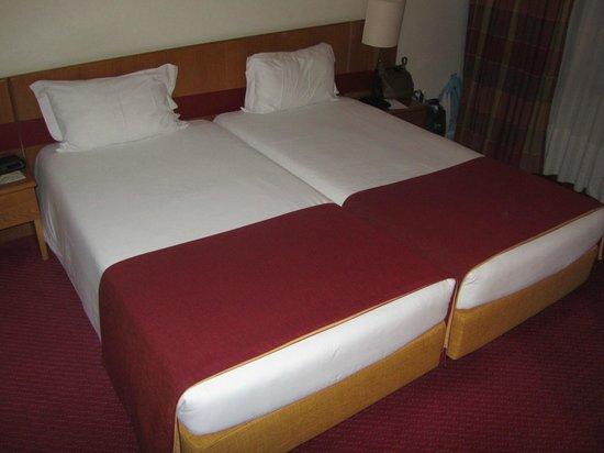 Quality Inn Porto:                   Camas de solteiro usadas como cama de casal