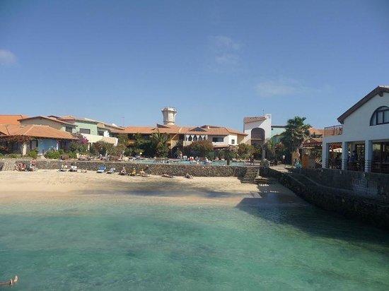 Porto Antigo Residence :                                                       Porto Antigo 1 : plage et piscine à l'arri