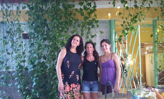 Hostal Dona Barbara:                   la padrona di casa la figlia e l'ospite