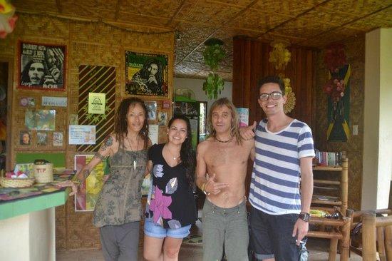 Reggae Guesthouse:                   Os proprietários do local!