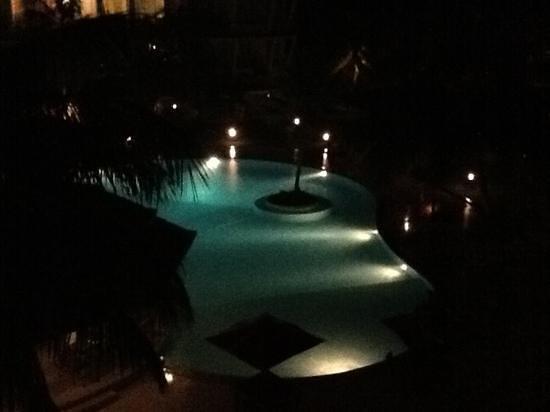 Eden Resort & Spa:                   by Night