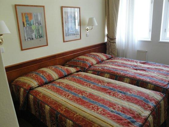Hotel 16:                   Bedroom