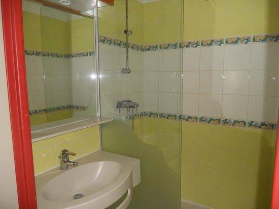 Apartamentos Pierre & Vacances Horizons Huez:                   La salle d'eau