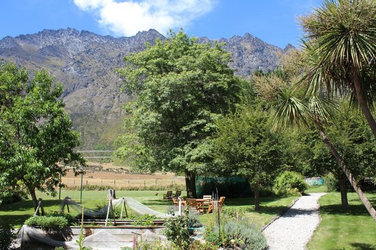 Remarkables Mountain Lodge :                   View from the back garden, The Remarkables