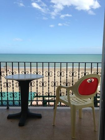 Apartamentos Plazamar: wow the beach view is stunning