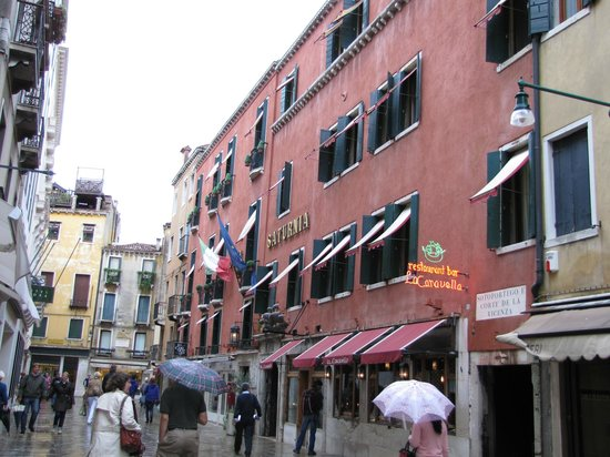 Hotel Saturnia & International:                   Hotel