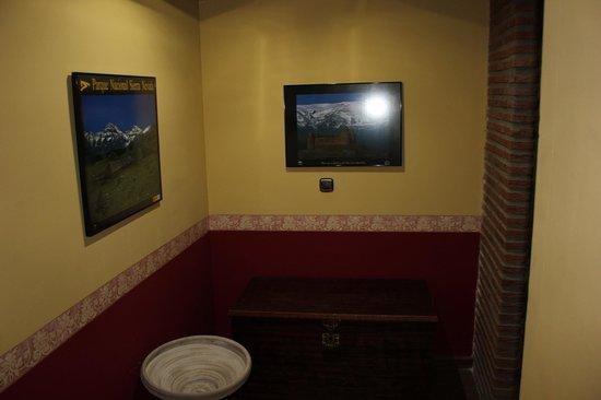 Hotel Quentar:                   al salir del ascensor