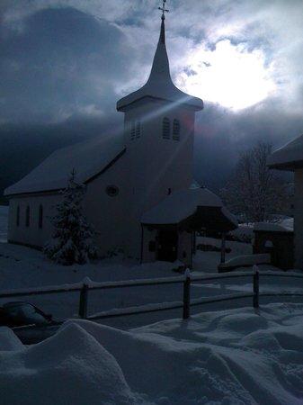 Bed and Breakfast La Pinte de Lys:                   Les Sciernes sous la neige