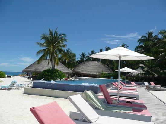 honeymoon walk near serenade jetty picture of kuramathi. Black Bedroom Furniture Sets. Home Design Ideas