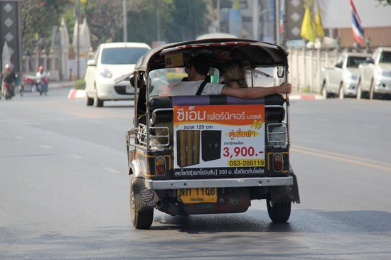 De Chai The Colonial Hotel: Tuk-Tuk - Great way to get around Chiang Mai