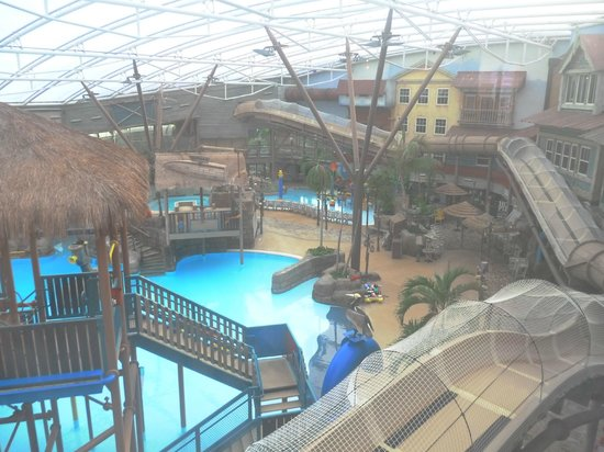 Alton Towers Waterpark : view from hotel lobby window