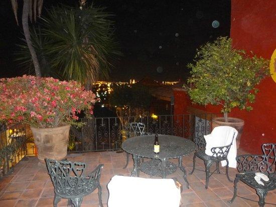 Villa San Jose Hotel & Suites:                   Balcony