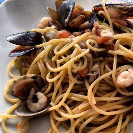 Pierrot :                   spaghetti allo scoglio