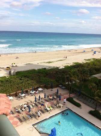 Hilton Singer Island Oceanfront/Palm Beaches Resort:                   View from Room 624