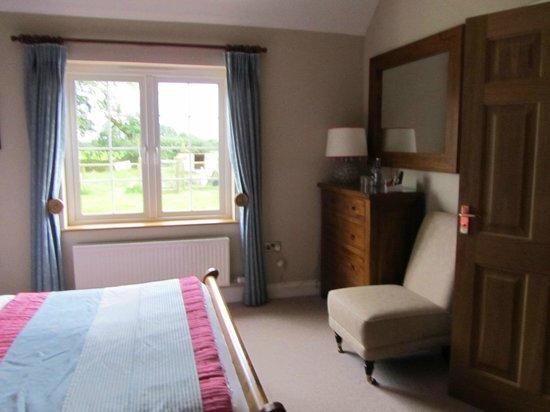The Paddock:                   nice room facing the garden