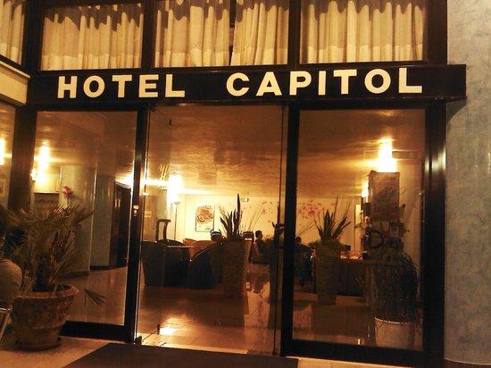 Hotel Capitol:                   Ingresso di sera