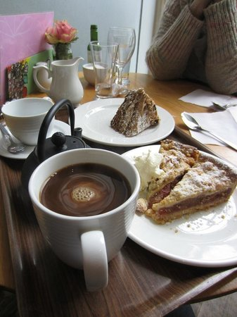 County Laois, ไอร์แลนด์: Desserts at Emo Court Tea Rooms, overpriced and service certainly far from silver