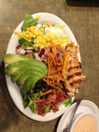 Juicy's Famous River Cafe: Cobb salad