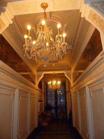 Malostranska Residence:                   Hall d'entrée magnifique