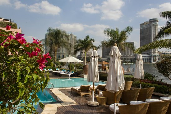 Sofitel Cairo El Gezirah: The infinity pool overlooking the Nile