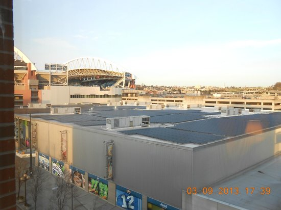 Silver Cloud Hotel - Seattle Stadium : View from our room