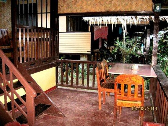 Cliffside Cottages :                   cliffside veranda