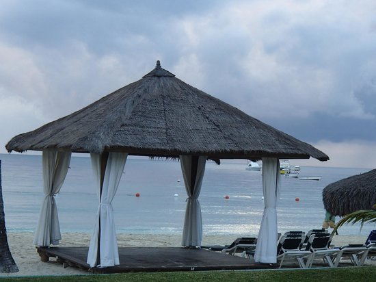 Azul Beach Resort Sensatori Jamaica by Karisma:                   massage hut  on the beach