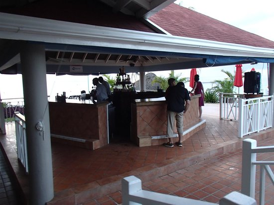 Azul Beach Resort Sensatori Jamaica by Karisma:                   the only bar in the resort