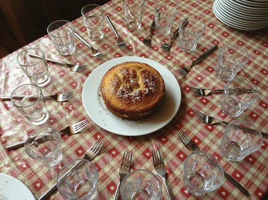 Residence Chalet des Neiges Arolles : Afternoon Cake