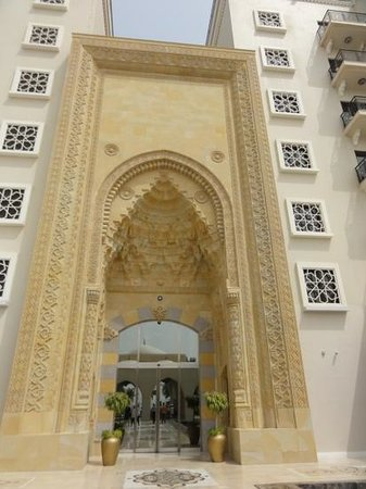 Jumeirah Zabeel Saray:                   Hotel entrance