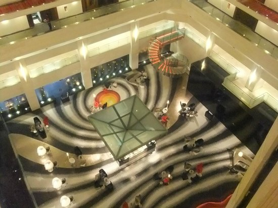 Le Meridien New Delhi: Central area