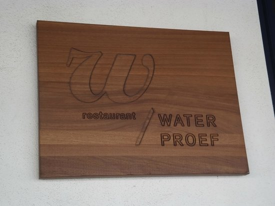 Waterproef: the signage