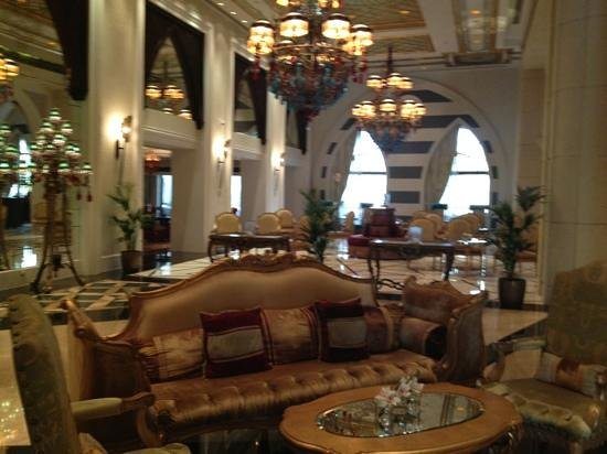 Jumeirah Zabeel Saray:                   The Sultans Lounge