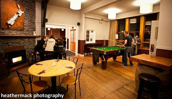 The Brown Pub Methven Mt Hutt: Enjoy the pool table and  a cosy log burner.