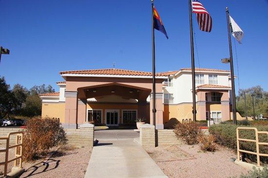 Homewood Suites by Hilton Phoenix / Scottsdale:                   Hotel entrance