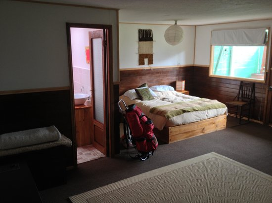 HOSTAL AMERINDIA PATAGONIA:                   Our Room