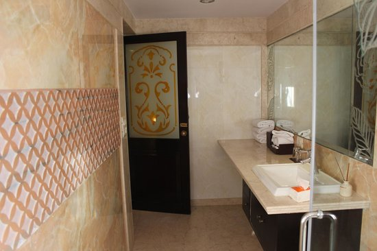 Shahpura House: Bathroom
