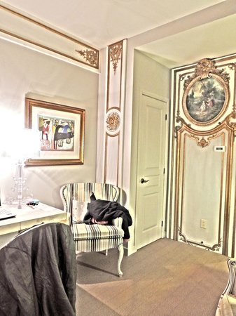 Auberge Place D'Armes:                   Sitting area by the closet door and writing desk