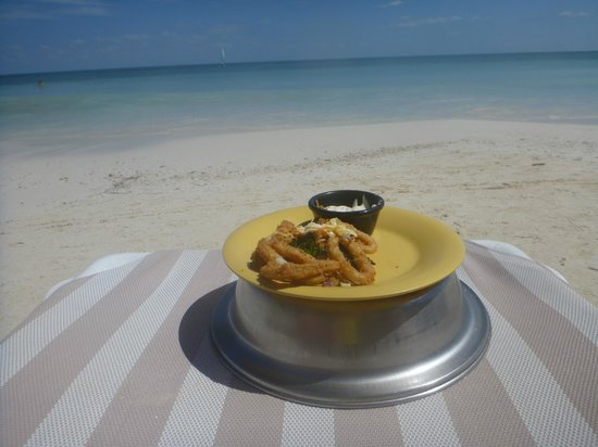 Secrets Capri Riviera Cancun: little calamri on the beach for lunch:)