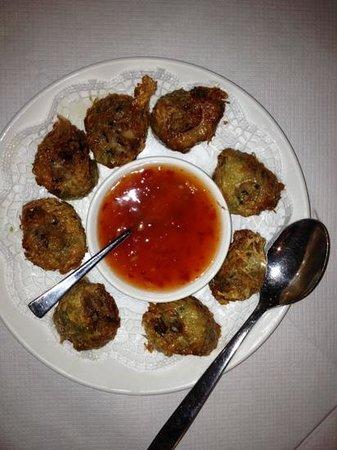 Er Mei Sichuan Restaurant : Deep fried crab and pork with sweet chilli sauce