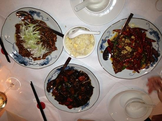 Ermei Sichuan Restaurant : shredded pork with spring onions, egg fried rice, fragrant beef with chillies and sea-spiced veg