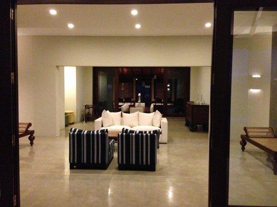 Gampola, Sri Lanka:                   Living room