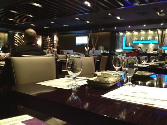Sushi Palace: great atmosphere !
