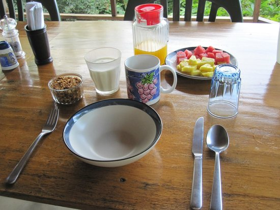 La Via Verde - Organic Farm and B&B: Breakfast