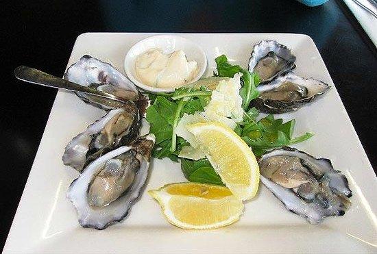 Restaurant Red: Tasty Tassie oysters