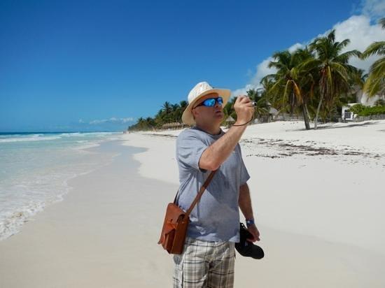 Casa Blanca - Rancho San Eric:                                     walking along the beach to nearby behotel tulum for breakfas