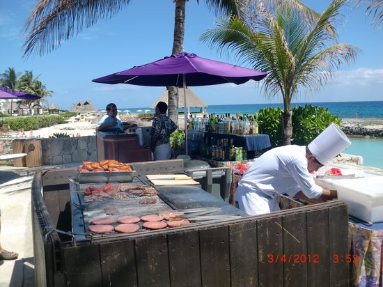 Heaven en Hard Rock Hotel Riviera Maya: Daily Bar-b-que